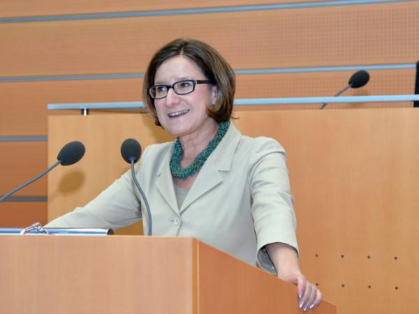 Bundesministerin Frau Magistra Johann Mikl-Leitner bei der Festansprache